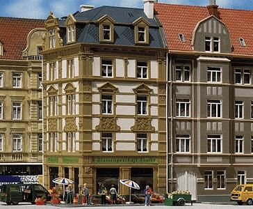 Faller Gmbh #62 Gothe Street 4-Story Corner Townhouse -- HO Scale Model Railroad Building -- #130916