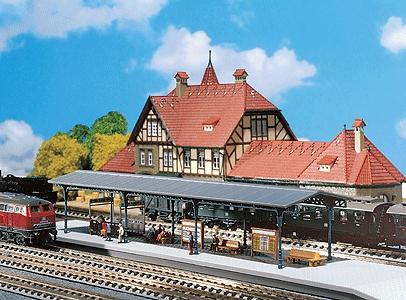 Faller Covered Platform Kit N Scale Model Railroad Accessory #222164