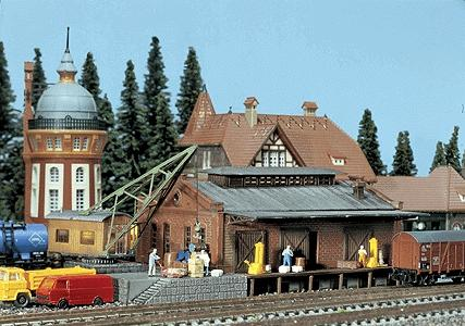 Faller Freight Depot Weathered Model with Crane N Scale Model Railroad Building #222180