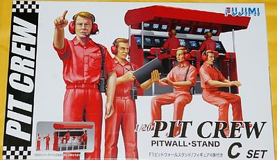 Fujimi Pit Crew with Pitwall Stand -- Plastic Model Diorama -- 1/24 Scale -- #11332