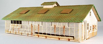 GC Laser Corn Crib/Chicken Coop -- Kit - 6 x 3-1/2 x 2-3/16'' 15.2 x 8.9 x 5.6cm - HO-Scale