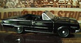 Green-Light 1967 Plymouth Belevedere GTX Diecast Model Car 1/18 Scale #19007