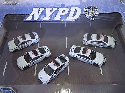 Green Light Collectibles NYPD (5) -- Diecast Model Car Set -- 1/64 Scale -- #56080