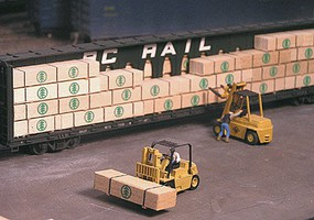 Grand-Central Lumber loads assorted HO-Scale