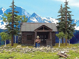 Grand-Central Smokey Bear w/Cabin & 3 Trees Assembled