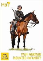 Hat WWII German Infantry on Horses Plastic Model Military Figure Set 1/72 Scale #8120