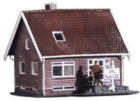 Heljan Small Brick House Kit HO Scale Model Railroad Building #211