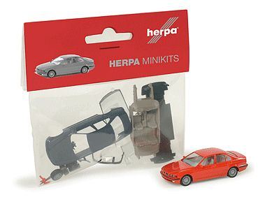 Herpa Models Minikit BMW 5-Series Sedan - Kit (Plastic) -- HO Scale Model Railroad Vehicle -- #12201