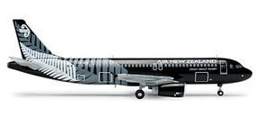 Herpa Airbus 320 Air New Zealand Diecast Model Airplane 1/200 Scale #554367