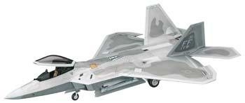 Hasegawa F-22 Raptor USAF Plastic Model Airplane Kit 1/48 Scale #07245