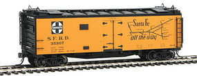 Intermountain Reefer ATSF Super Chief RR28 RTR HO Scale Model Train Freight Car #46113