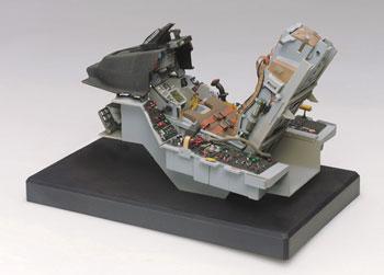Italeri 1/12 F-16 Fighting Falcon Cockpit
