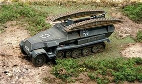 Italeri SdKfz 251/7 Pionerpanzerwagen Plastic Model Military Vehicle Kit 1/72 Scale #557062