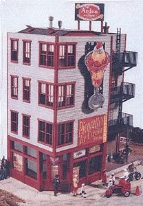 JL Innovative Design Picorelli's Ice Cream Parlor -- Model Railroad Building -- HO Scale -- #421