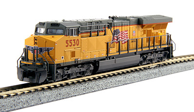 Kato GE ES44AC GEVO - Standard DC Union Pacific #5530 (Armour Yellow, gray, US Flag & Building America Logo) - N-Scale