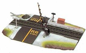 Life-Like Operating Crossing Gate Assembled Model Railroad Trackside Accessory HO Scale #8314
