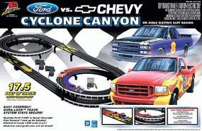 Life-Like Ford-Chvy Cyclone Canyon - HO-Scale