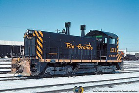 Life-Like-Proto EMD SW1200 w/LokSound Select & DCC Denver & Rio Grande Western(TM) #135 (black, Aspen Gold, Flying Grande Logo)