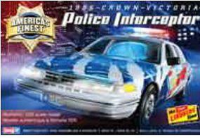 Lindberg Crown Victoria Police Cruiser Plastic Model Car Kit 1/25 Scale #130