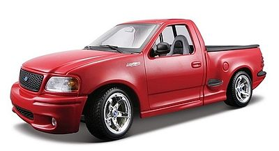 Maisto International Ford SVT F150 Lightning Pickup Truck (Red) -- Diecast Model Truck -- 1/18 Scale -- #31141red