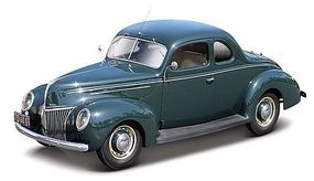 Maisto 1939 Ford Deluxe Tudor (Green) Diecast Model Car 1/18 Scale #31180grn