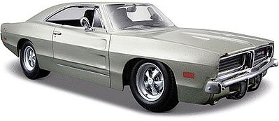 Maisto International 1969 Dodge Charger R/T (Silver) -- Diecast Model Car -- 1/25 Scale -- #31256slv