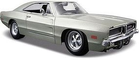 Maisto 1969 Dodge Charger R/T (Silver) Diecast Model Car 1/25 Scale #31256slv