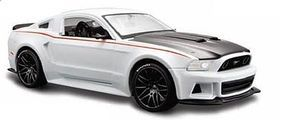 Maisto 2014 Ford Mustang Street Racer (White) Diecast Model Car 1/24 scale #31506wht