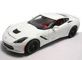 Maisto 2014 Corvette Stingray Z51 (White) Diecast Model Car 1/18 Scale #31677wht