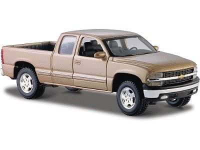 Maisto International Chevrolet Silverado Pickup Truck (Met. Gold) -- Diecast Model Truck -- 1/24 scale -- #31941gld