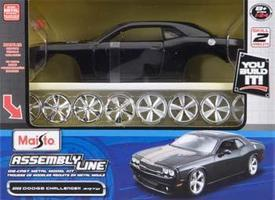 Maisto AL 2008 Dodge Challenger Metal Metal Body Plastic Model Car Kit 1/24 Scale #39280