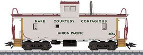 Marklin Class CA-3/CA-4 Caboose 3-Rail Ready to Run Union Pacific #3771 (white, Armour Yellow, red, Make Courtesy Contagious Slo