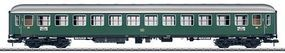 Marklin Type B4um-61 2nd Class Coach German Federal RR HO Scale Model Train Passenger Car #58023