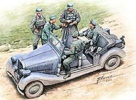Master-Box WWII German Military Car with Figures Plastic Model Military Staff Car 1/35 Scale #35112