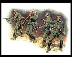 Master-Box German Infantry in Action Eastern Front 1941-42 Plastic Model Military Figure 1/35 #3522