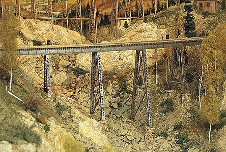 Micro-Engr Tall Steel Viaduct Kit - 150 Long w/Bents & Track Model Train Bridge HOn3 Scale #75540