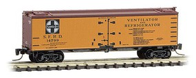 Micro-Trains 40 Wood-Sheathed Ice Reefer - Ready to Run Santa Fe 14776 (orange, Boxcar Red, black, white, Ventilator & Refrigerator) - Z-Scale