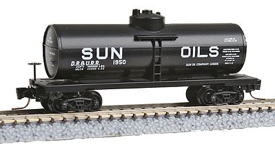 Micro Trains Line 40' Single-Dome Tank Car - Ready to Run -- Sun Oils DR&URR #1950 (black, Billboard Lettering) - Z-Scale