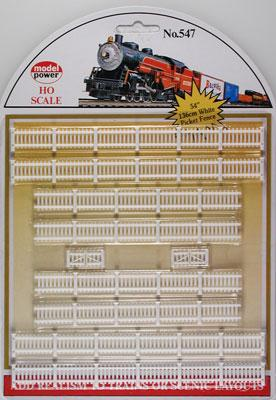 Model Power White Fences -- HO Scale Model Railroad Trackside Accessory -- #547