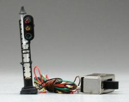 Model-Power Railway Signal 3-Light w/Pre-Wired Switch N Scale Model Railroad Operating Accessory #8570