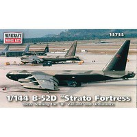 Minicraft 1/144 B52D Stratofortress Aircraft (New Tooling for D Bombs)