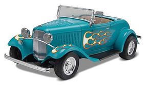 Monogram 1932 Ford Street Rod Plastic Model Car Kit 1/24 Scale #850882