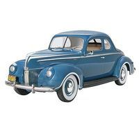Monogram 1/25 40 Ford Standard Coupe