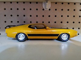 1973 Ford Mustang Plastic Model Car Kit 1/25 Scale #846