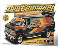 MPC 1982 Dodge Van Plastic Model Vehicle Kit 1/25 Scale #824-12