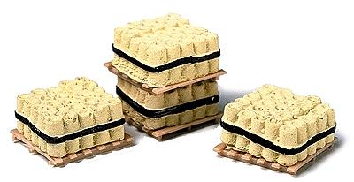 Railstuff Banded Drainage Tiles on Pallets Yellow (4) Model Railroad Building Accessory HO Scale #510