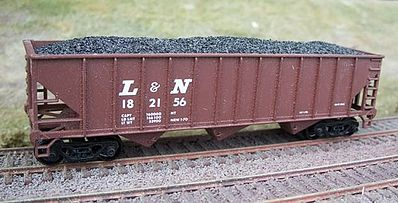Motrak Models Coal Loads for Bowser/Stewart 12 Panel Hopper (2) -- HO Scale Model Train Freight Car Load -- #81408