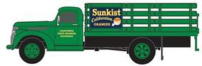 Classic-Metal-Works 1941/46 Chevy Stake Bed Truck Sunkist Growers HO Scale Model Railroad Vehicle #30353