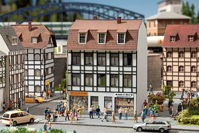 Noch GMBH & Co. Half-Timber Old Town Building w/ Toy Shop/Snack Bar -- HO Scale Model Building -- #66502