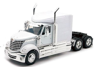 New Ray Toys Int'l Lone Star Tractor Cab Color Will Vary -- Diecast Model Truck -- 1/32 scale -- #52943